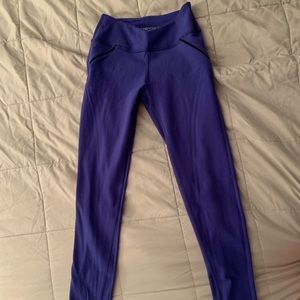 Beyond Yoga leggings, Dark blue Sz Small EUC